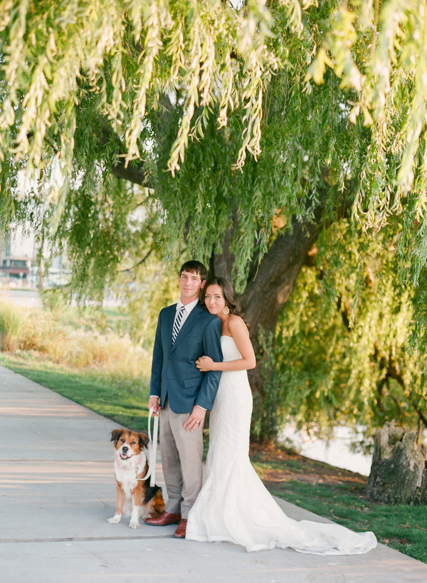 seattle husband wife wedding photography team